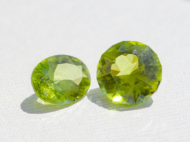 Perdiot - August Birthstone