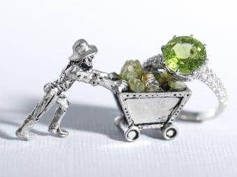 peridot gems and ring